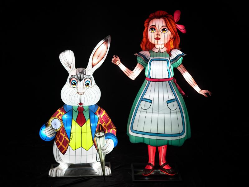 Le monde imaginaire et déjanté d'Alice au pays des merveilles illumine le ZOO d'Anvers